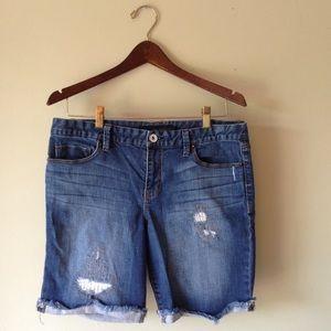 Calvin Klein distressed bermuda shorts   size 10